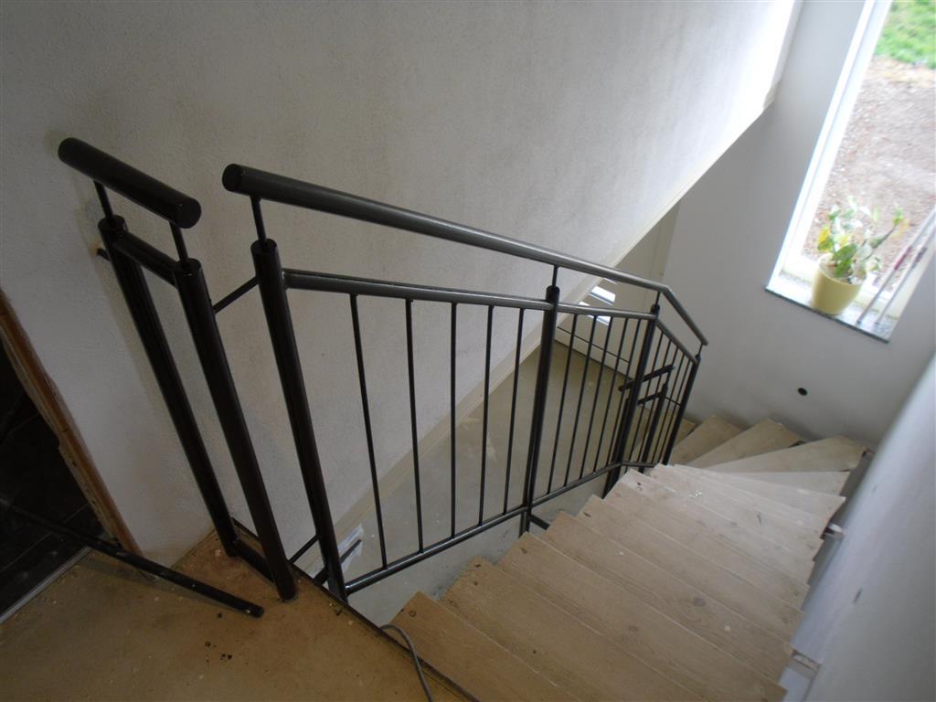 Treppengeländer Verkleiden wohnzimmerz treppengeländer verkleiden with malerarbeiten