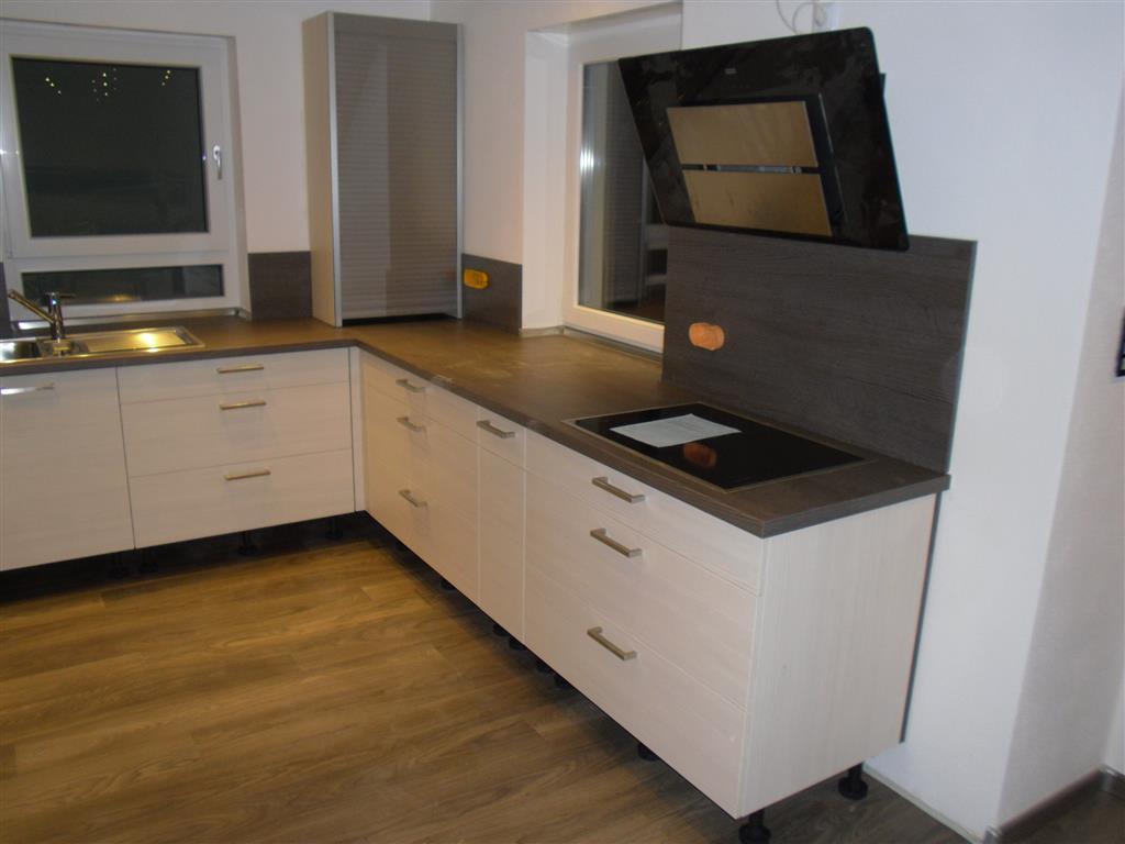 leiste f r arbeitsplatte k che pw21 hitoiro. Black Bedroom Furniture Sets. Home Design Ideas